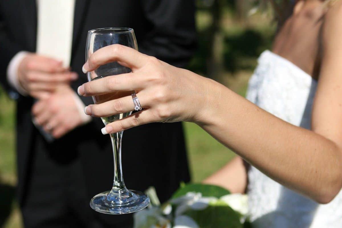toast bride