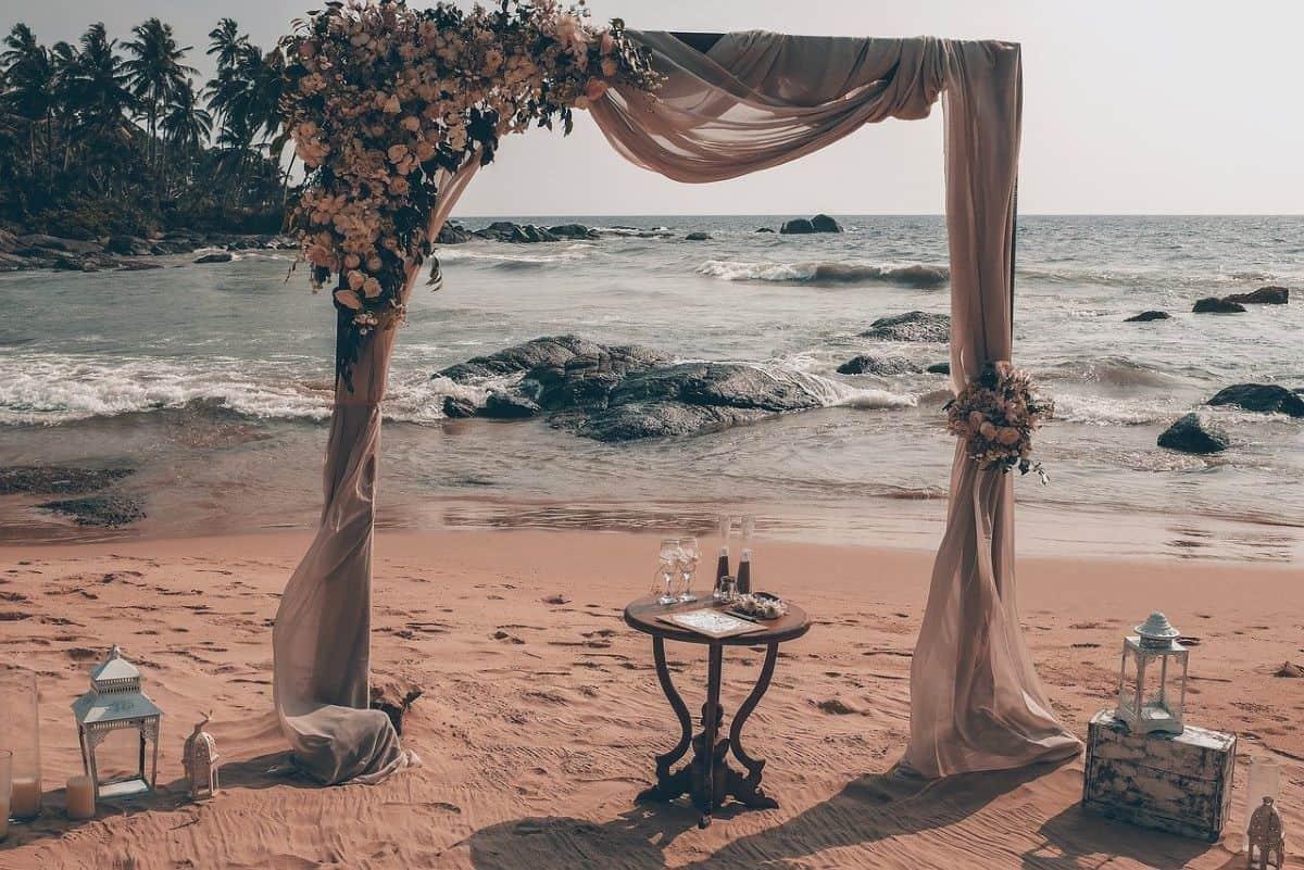 beach venue wedding