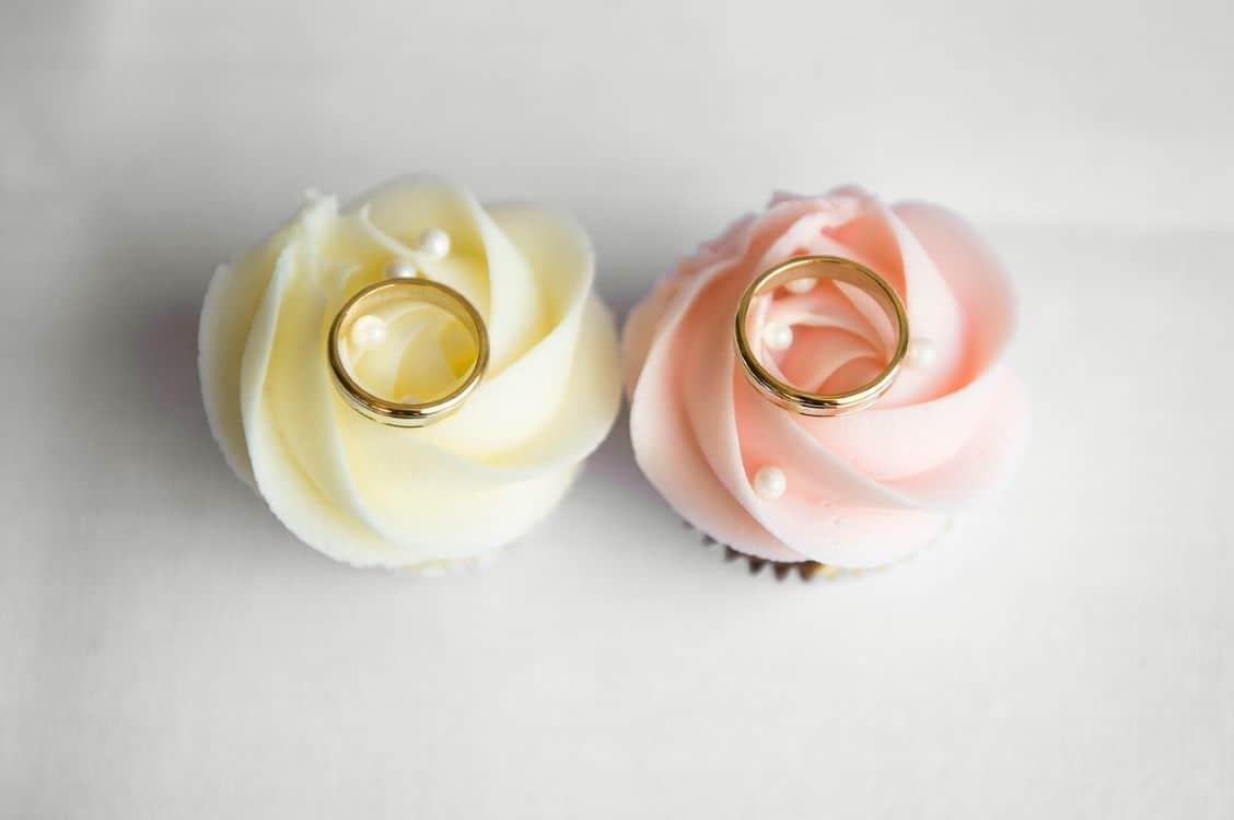 display wedding rings