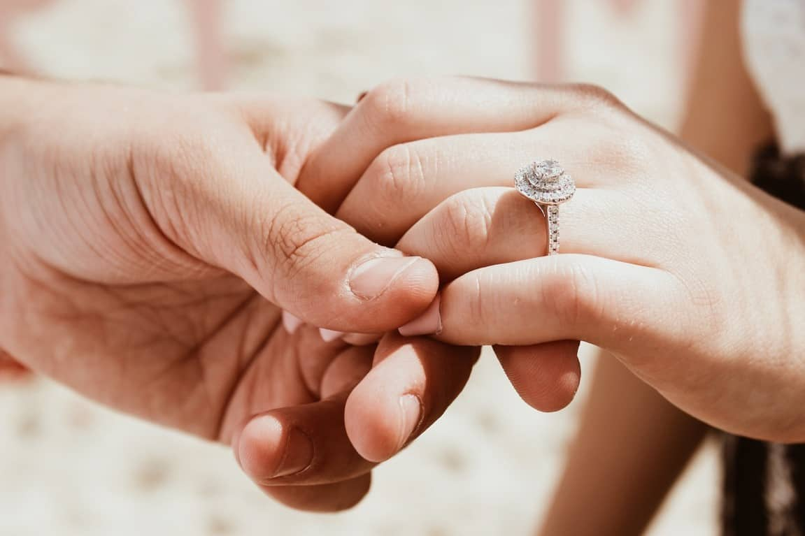 holding hands rings