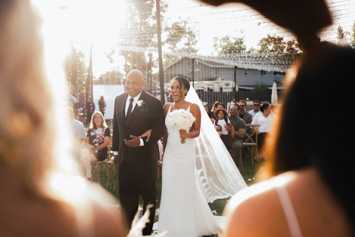 dad bride aisle