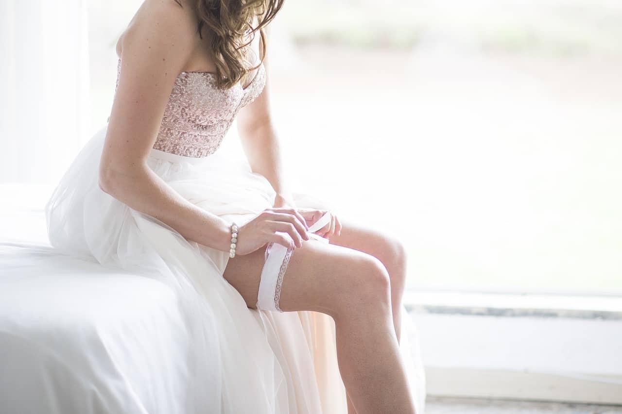 woman garter legs