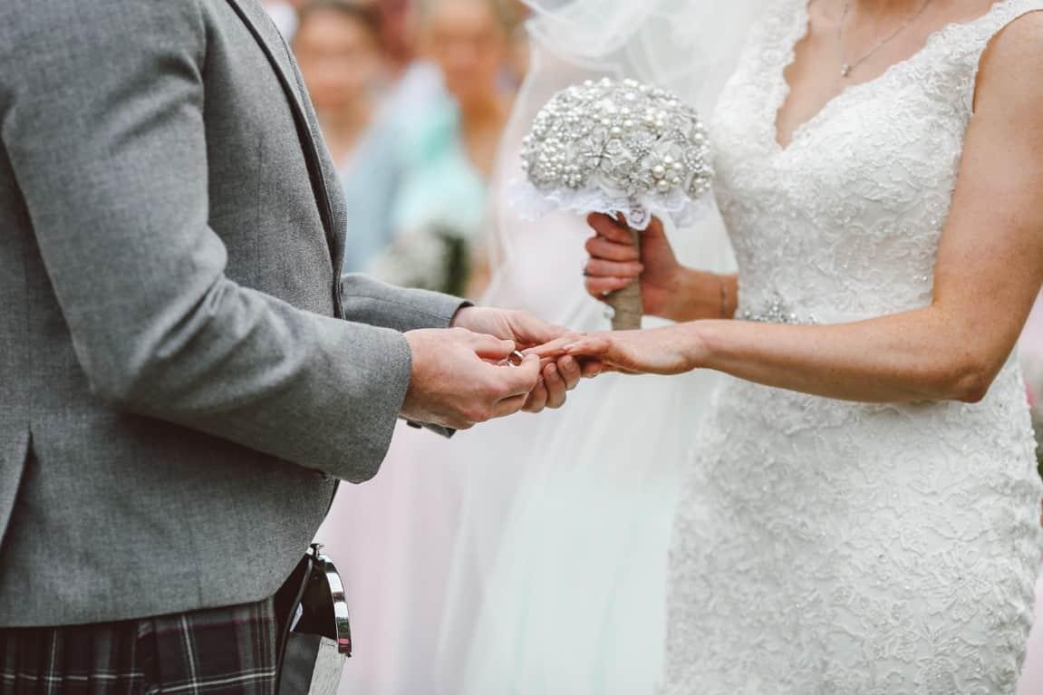 rings couple wedding