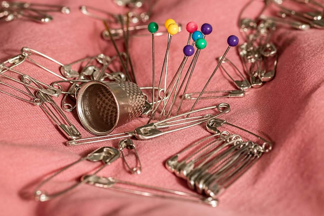 safety pins sewing kit