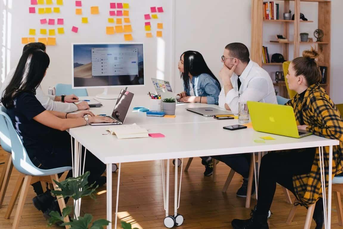 decorators team meeting