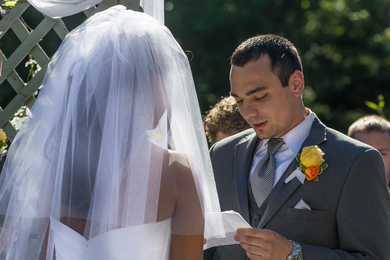 groom reading vow