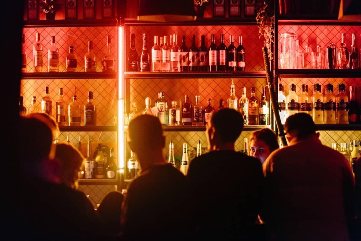 bar red light